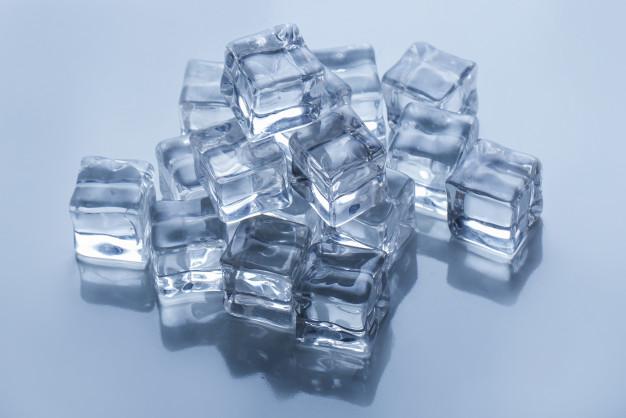 น้ำแข็งสี่เหลี่ยมแบบหนา